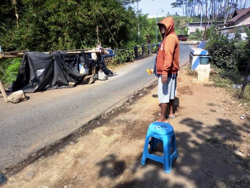Jembatan Desa Wadung Yang Sudah 5 Bulan Alami Longsor.